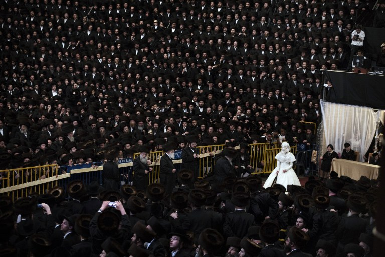 ISRAEL-ULTRA-ORTHODOX-JEWS-BELZ-WEDDING