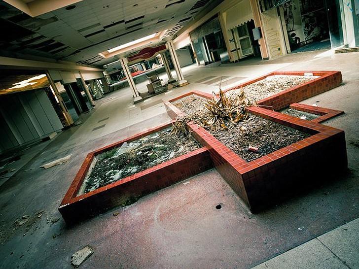 abandonedmalls09
