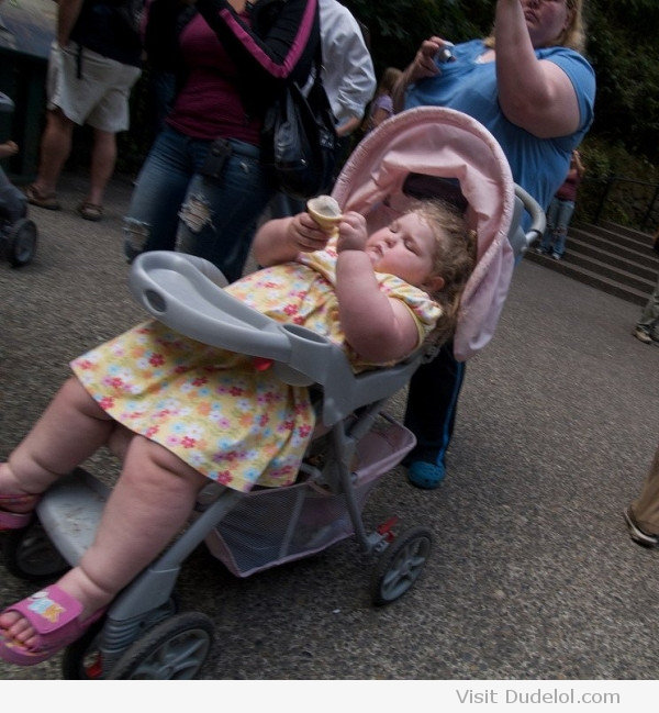 Mom-with-fat-older-kid-in-stroller